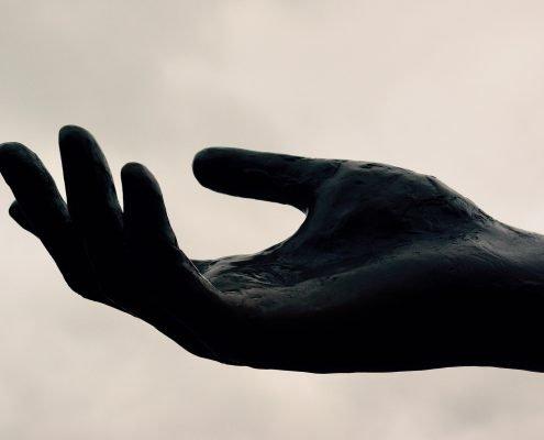 black-hand-3345099_1920